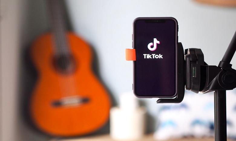 TikTok débloque 200 millions de dollars pour payer ses stars