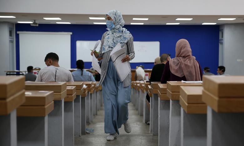 Quatorze des personnes prises en flagrant délit de triche lors de la session de rattrapage des examens du baccalauréat 2020 pour les candidats libresont été placées en garde à vue. Ph : MAP