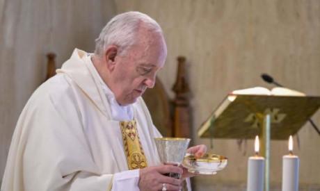 Le pape dénonce l'enfer des camps pour migrants