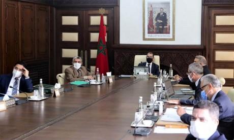 Le gouvernement adopte un projet de loi pour garantir la relance des diverses activités publiques et économiques