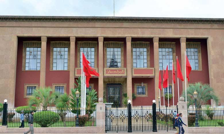 Adoption en commission d'un projet de loi édictant des mesures spécifiques à l'état d'urgence sanitaire