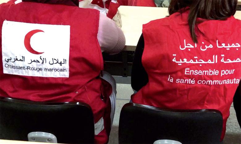 Le Croissant-Rouge distribue des aides alimentaires à des patients nécessiteux