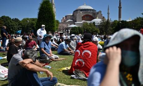Turquie: prière inaugurale à Sainte-Sophie reconvertie en mosquée