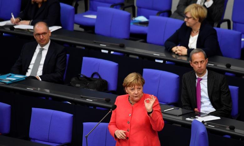 «Dans une situation extraordinaire, nous avons besoin de solutions spéciales pour que l'Europe puisse sortir renforcée de cette crise extraordinaire» relative au nouveau coronavirus, a ajouté Angela Merkel. Ph : AFP