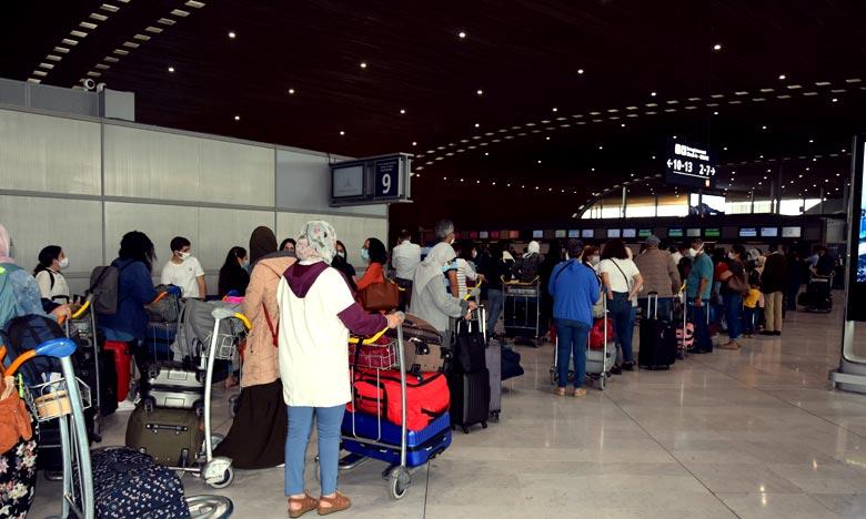 Avec l'arrivée de ce groupe, le nombre des Marocains ayant regagné le pays via l'aéroport de Béni Mellal s'établit à 312. Ph : MAP