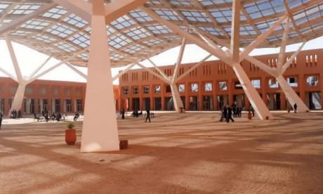 Benguérir : Un laboratoire moderne de physique des sols sera mis en place à l'UM6P