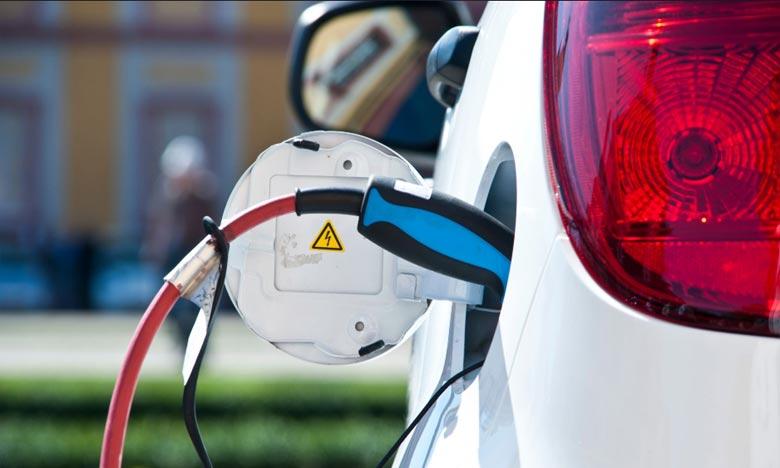 Le plan favorisera l'adoption des véhicules électriques à batterie afin qu'ils représentent  25% du nombre total des véhicules neufs d'ici 2024. Ph : Getty Images
