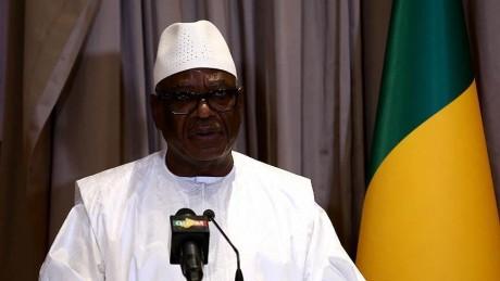 Le président malien annonce sa démission