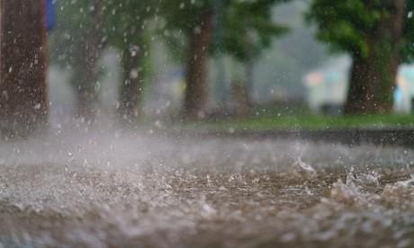 Alerte : Averses orageuses localement fortes accompagnées de grêle dans plusieurs provinces