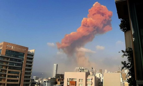 Explosions à Beyrouth: plus de 100 morts  à déplorer