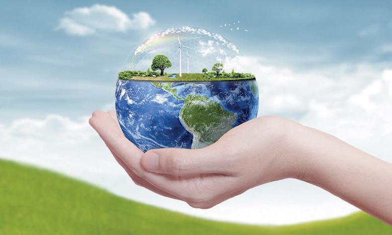 Débats autour des énergies renouvelables et leur rôle dans le développement socio-économique de la région