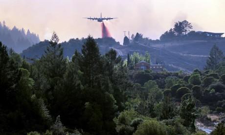 États-Unis : Les incendies continuent de ravager le nord de la Californie
