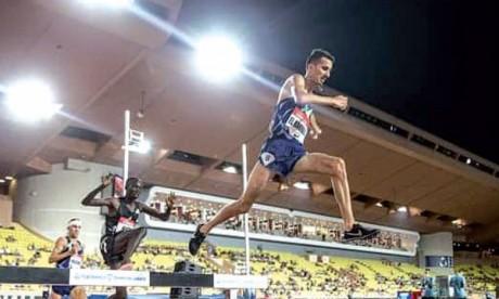 Soufiane El Bakkali domine le 3.000 m steeple et réalise le meilleur  chrono de la reprise