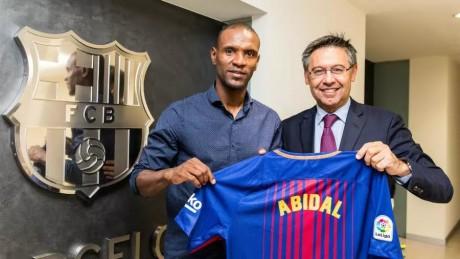 Le FC Barcelone limoge Eric Abidal de son poste de directeur sportif