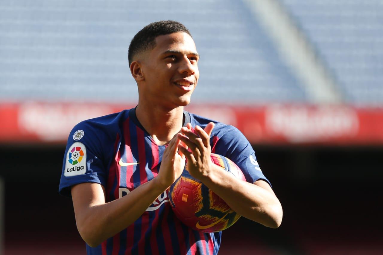 FC Barcelone: Todibo testé positif au Covid-19 mais