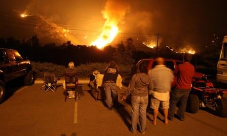 Incendies en Californie : Plus de 200 personnes évacuées par hélicoptère