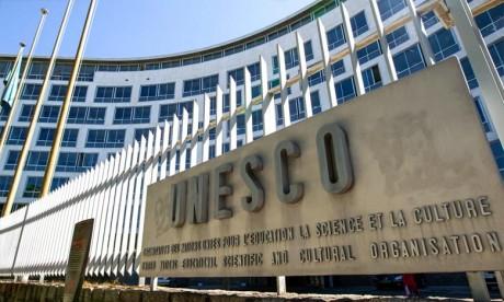 Covid-19: Deux tiers de la population scolaire mondiale sans école, alerte l'Unesco