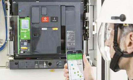 Schneider Electric met sur le marché  les disjoncteurs basse tension intelligents