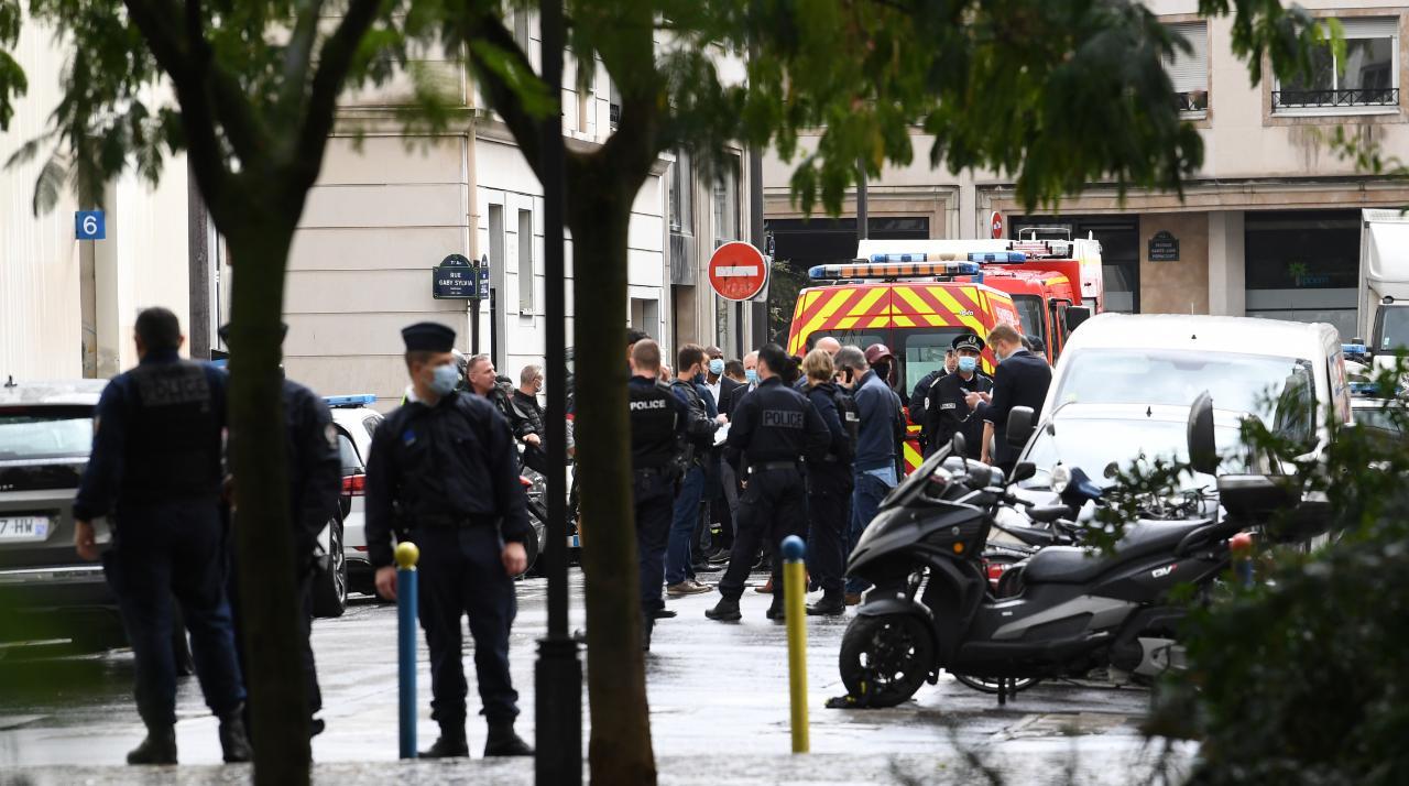 France: attaque près des anciens locaux de Charlie Hebdo à Paris