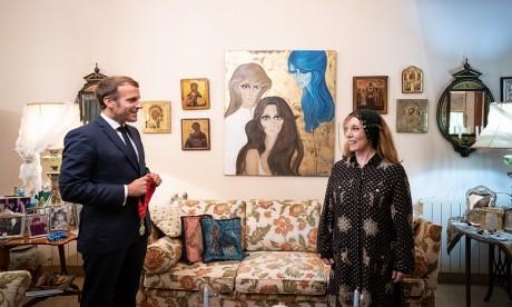 La diva libanaise Fayrouz faite Commandeur de la Légion d'honneur par le président français