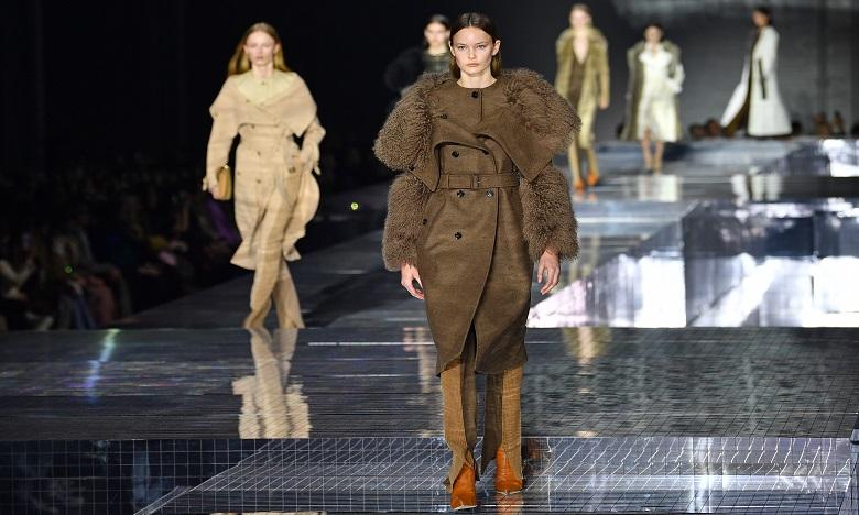La Fashion Week de Londres renoue avec les défilés physiques