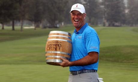 Golf:  L'Américain Stewart Cink remporte le Safeway Open
