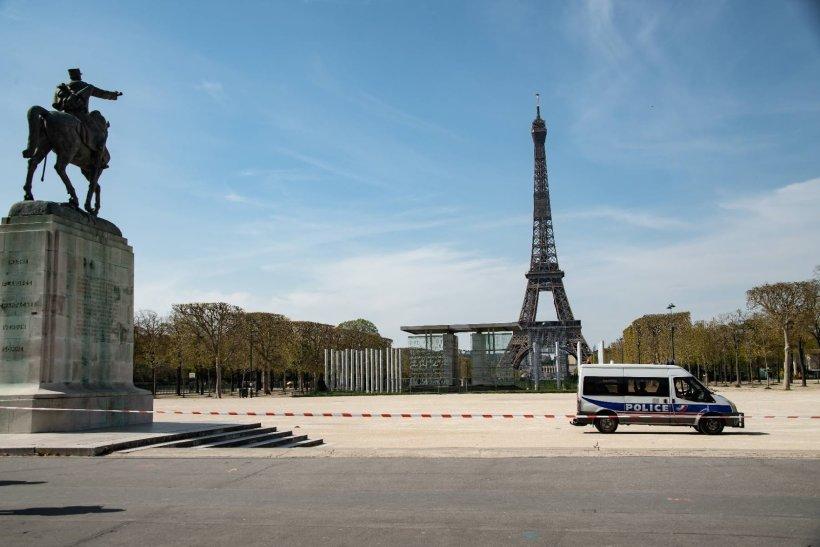 France : la Tour Eiffel évacuée pendant deux heures après une alerte à la bombe