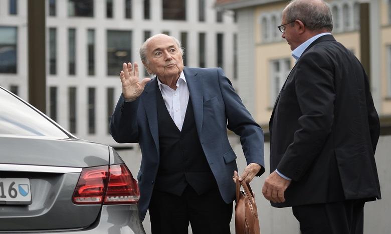 Sepp Blatter est arrivé vers 07H00 GMT devant le siège du Ministère Public de la Confédération (MPC) à Berne. Ph. AFP