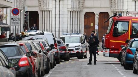 Attaque au couteau à Nice: l'assaillant, un Tunisien de 21 ans arrivé par Lampedusa