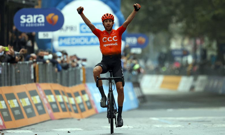 L'étape, prévue initialement sur 258 kilomètres entre Morbegno et Asti, a été ramenée à 128 kilomètres et a été gagnée par le Tchèque Josef Cerny, à plus de 49 km/h de moyenne. Ph : AFP