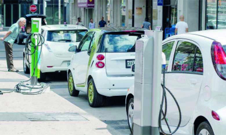 L'ONEE estime qu'il est nécessaire d'établir une politique nationale visant l'amorçage et le développement de la mobilité électrique des personnes et des biens sur tout le territoire, axée sur une vision partagée et rassemblant tous les acteurs de la mobilité et les différents secteurs.