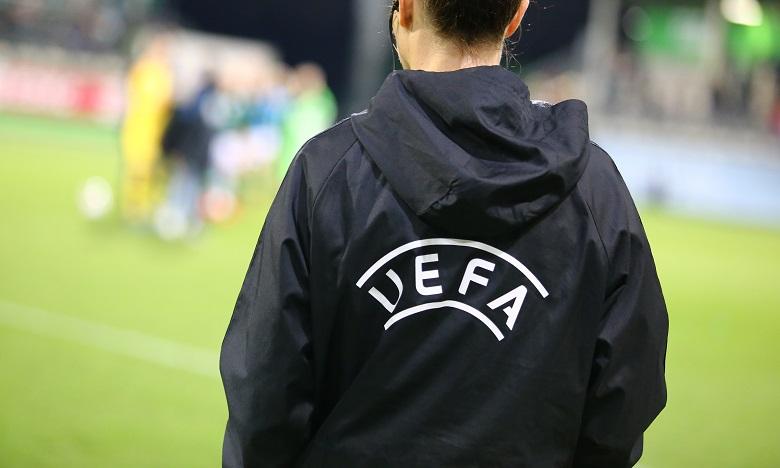 "Foot: l'UEFA ""s'oppose fortement"" à une Superligue européenne"
