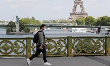 Covid-19: l'hypothèse d'un reconfinement prend corps en France