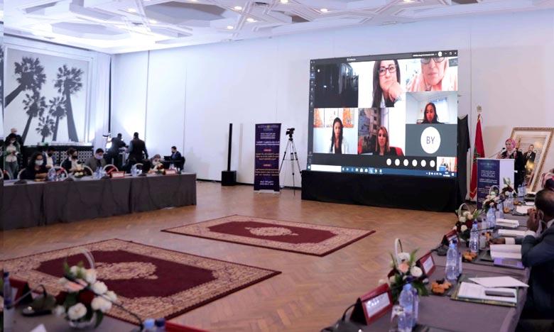 La plateforme numérique pour renforcer la protection juridique des Marocains du monde offrira la possibilité de renforcer la mobilisation des compétences marocaines à l'étranger, a précisé Nezha El Ouafi. Ph : MAP