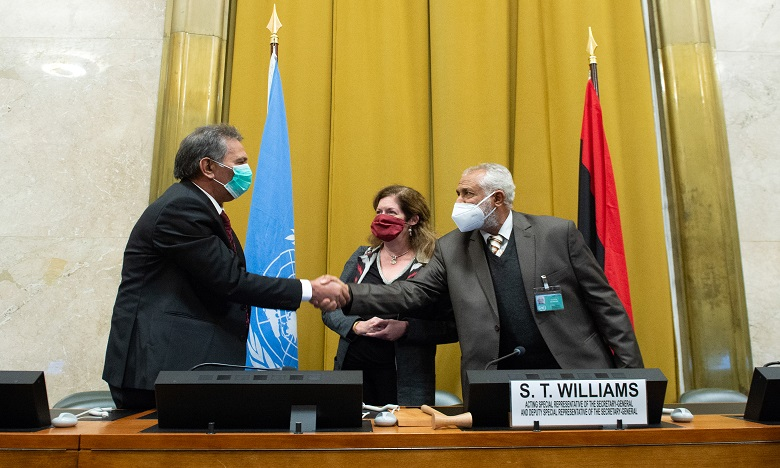 L'accord a été signé en présence de l'émissaire par intérim de l'ONU en Libye, Stephanie Williams et de diplomates. Ph. AFP