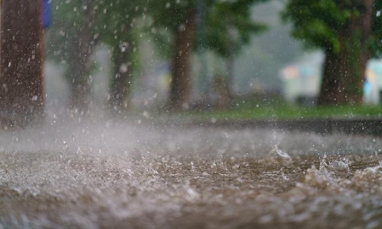 Averses orageuses localement fortes ce lundi à Aousserd et Oued Eddahab