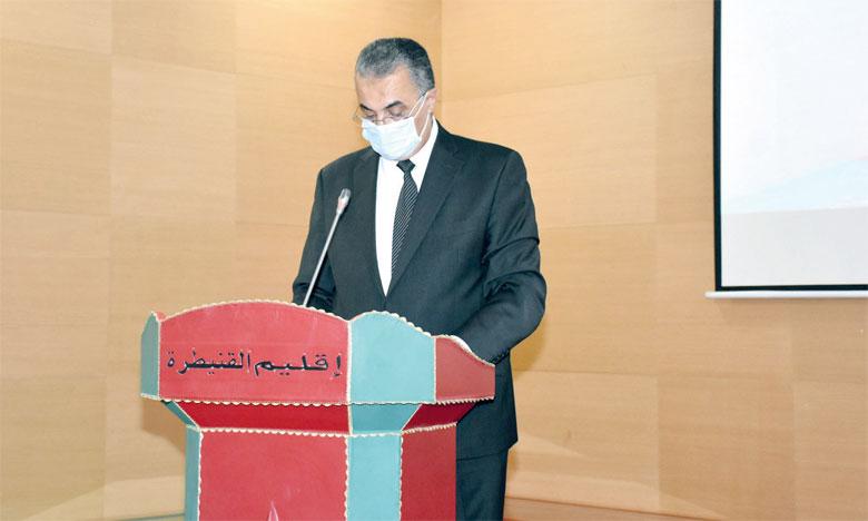 Le Comité de veille sanitaire, sous la supervision du gouverneur, Fouad M'hamdi, a tenu plusieurs réunions avec les représentants des Associations de commerçants et de professionnels de l'hôtellerie, de la restauration et de cafés.