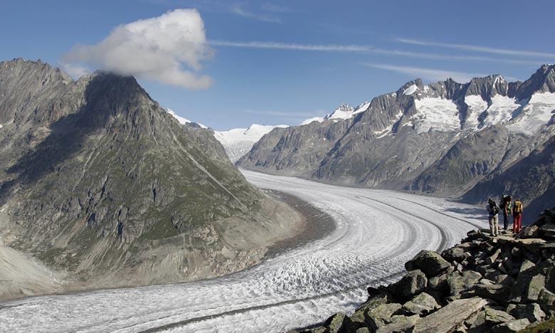 Le glacier, qui s'étend sur 86 km2 dans les Alpes suisses, est estimé à 11 milliards de tonnes de glace, mais son front recule d'environ 1 km depuis le début du siècle. Ph :  AFP
