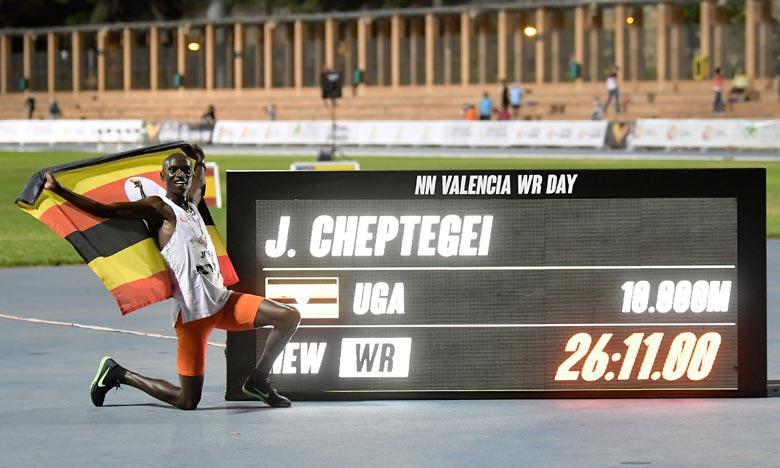 L'Ougandais Cheptegei bat le record du monde sur 10.000 m