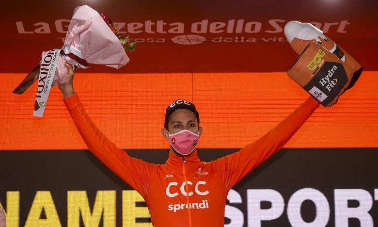 Tour d'Italie: Les prix de la 19e étape remis à la lutte anti-covid