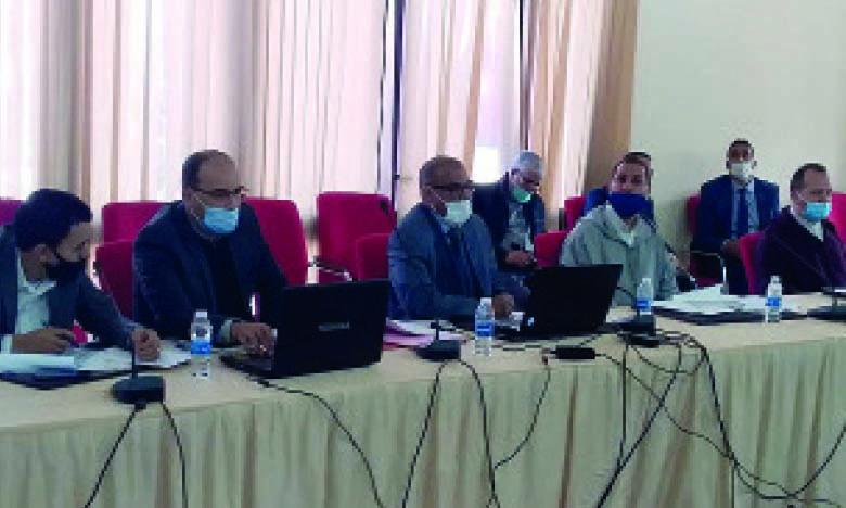 La session extraordinaire du Conseil provincial a été présidée par Saïd Mouhajiri, en présence du gouverneur de la province, Bouabid El Guerrab.