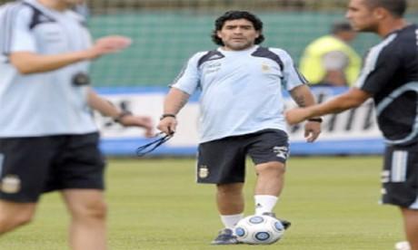 Hospitalisé, Diego Maradona va être opéré