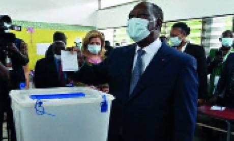 Alassane Ouattara réélu pour un troisième mandat