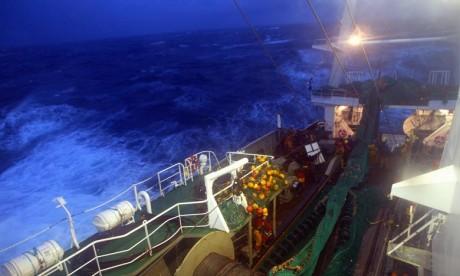 Russie : Un navire de pêche coule dans l'Arctique, 17 marins portés disparus