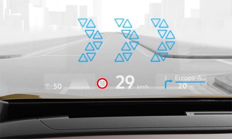 Les marquages et les flèches de navigation se superposent à l'environnement réel pour créer une nouvelle expérience de conduite.