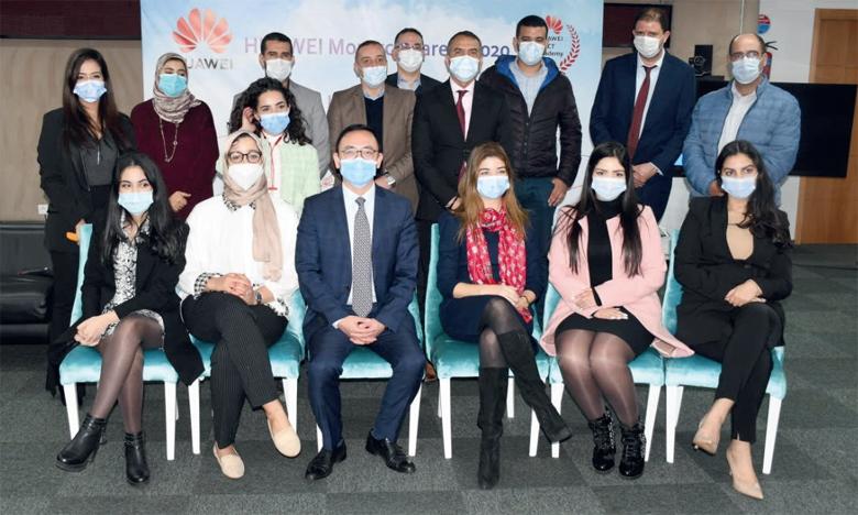 La cérémonie de lancement du Job Fair ICT 2020 a été organisée sous format hybride en présence  des responsables de Huawei Maroc et des entreprises partenaires.   Ph. Sradni