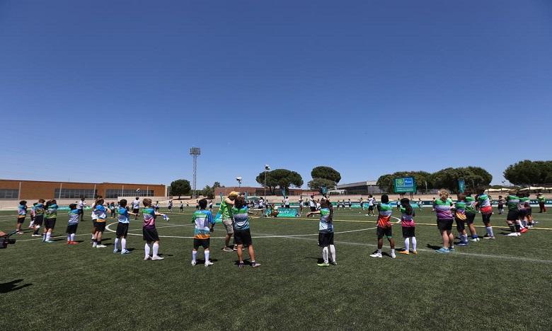 """""""Football pour l'amitié"""" forme les entraineurs"""