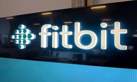 Bruxelles autorise le rachat de Fitbit par Google sous conditions