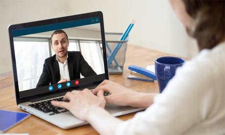 C'est la bonne préparation et le respect mutuel des deux parties qui feront de leur communication une réussite. Ph. Shutterstock