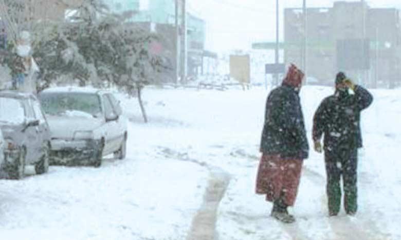 Chutes de neige, vague de froid et fortes averses du vendredi au dimanche